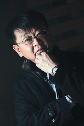 Hong Jin-Ki Social Profile