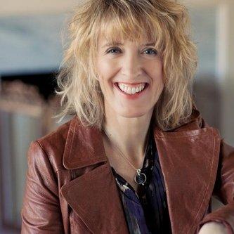 Elaine Bailey | Social Profile