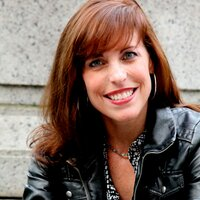 Laurie Chandlar   Social Profile