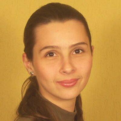 Camila Pieroni Lucio | Social Profile