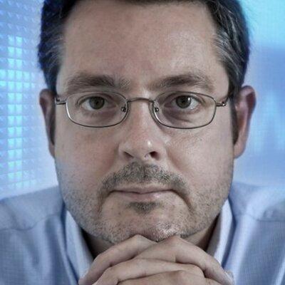 Daniel Canomanuel | Social Profile