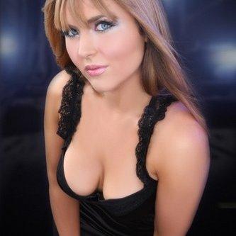 Hollie LA   Social Profile