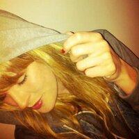 /Kayleigh Kay/ | Social Profile