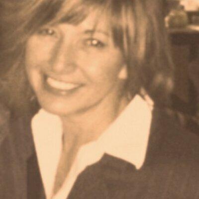 Patricia Paris   Social Profile