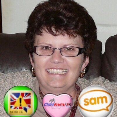 Caroline Lyons | Social Profile