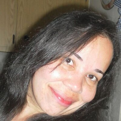 Desirree Cruz | Social Profile
