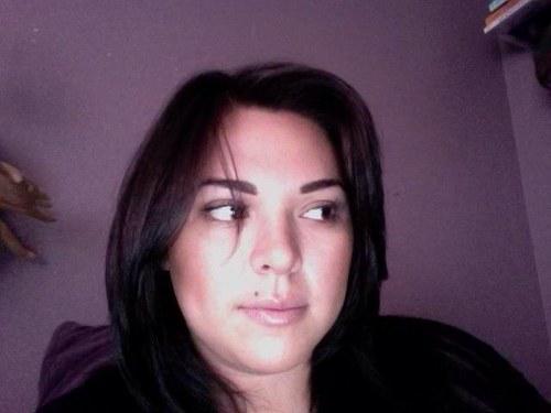 Jennifer Rosales Social Profile