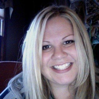 Kimberly Knoll | Social Profile