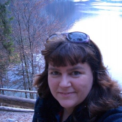 Claudia Funder | Social Profile