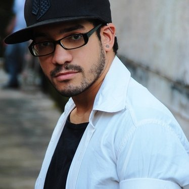 Felipe Babones | Social Profile