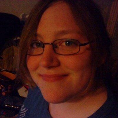 Stephanie R | Social Profile