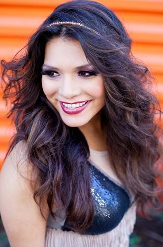 Geena the Latina Social Profile