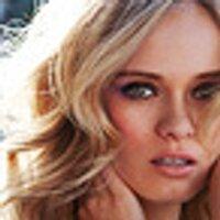 Sara Paxton | Social Profile