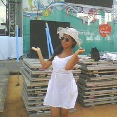 CAROLSINHA♥ | Social Profile