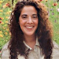 Laura Bashar | Famil | Social Profile