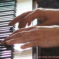 PianoTweets