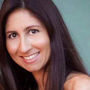Sylvie Shirazi Social Profile