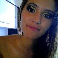 Fernanda de Oliveira   Social Profile