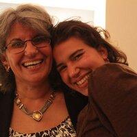 Mona Anis | Social Profile