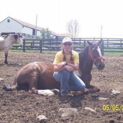 Lisa Moulton | Social Profile