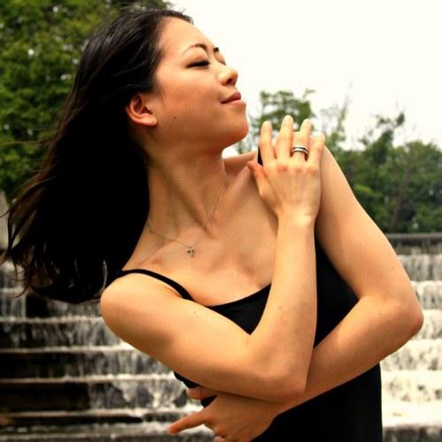 Akiko Suzuki Social Profile