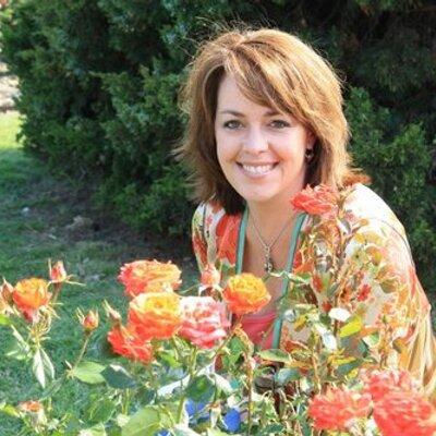 Holly Tumpkin | Social Profile