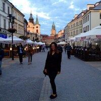 Angela Kalinowski | Social Profile