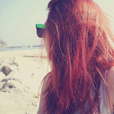 Фото девушек на аву со спины рыжие