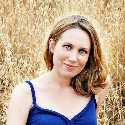 Erin Z. | Social Profile