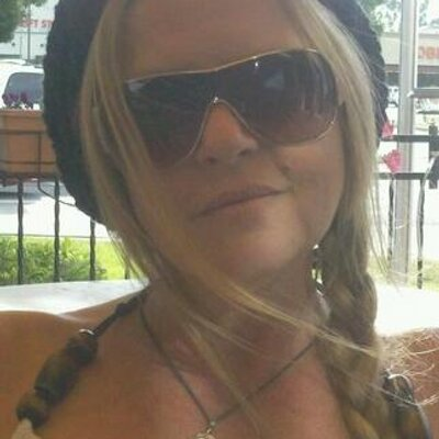 Diana Wolvington | Social Profile