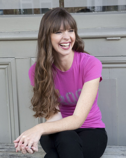 Victoria Stilwell Social Profile