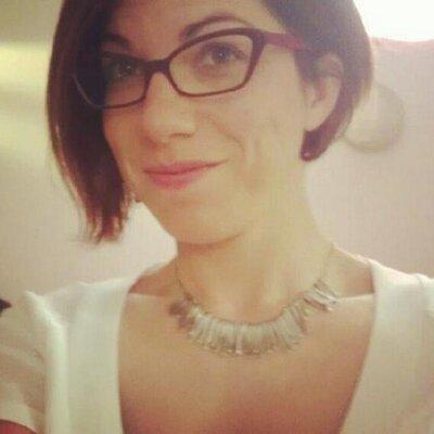 Debora Manetti | Social Profile