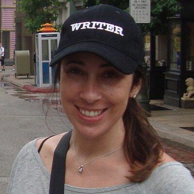 Paula Pimenta | Social Profile