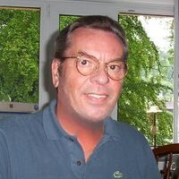 Lou Hartcourt | Social Profile