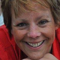 Naomi Milward | Social Profile