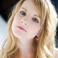 Melissa Rauch | Social Profile