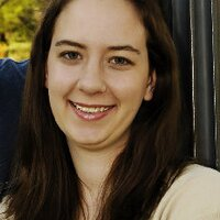 Laura Olds   Social Profile