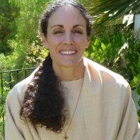 Maureen Kris | Social Profile