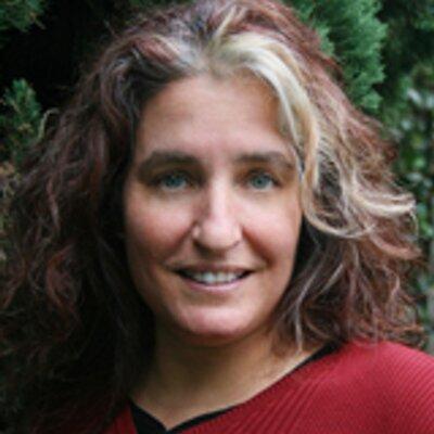 Stephanie Robbins | Social Profile