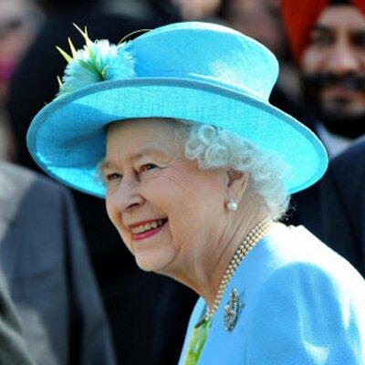 女王陛下   Social Profile