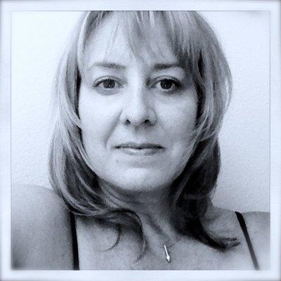Liz Robinson | Social Profile