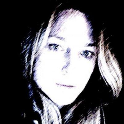 Alexandra McNally | Social Profile
