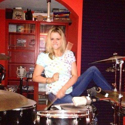 Maria Knibbs | Social Profile