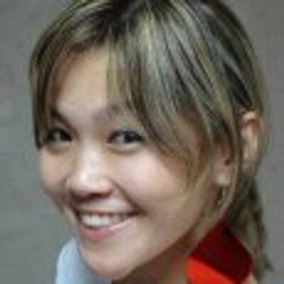 Debora Yumi    Social Profile