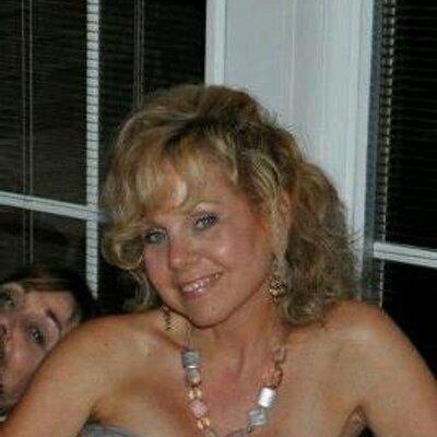 Lisa DeAngelo | Social Profile