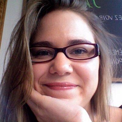 Jess Versteeg | Social Profile