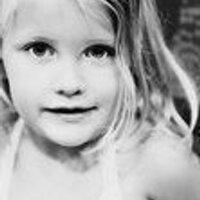 Holly McRae | Social Profile