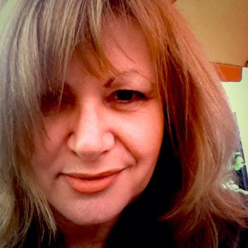 Titika Schmidt Social Profile