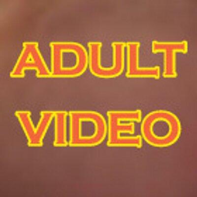 Redhead masturbates on webcam
