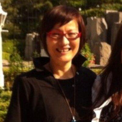 Suwa Hitomi | Social Profile